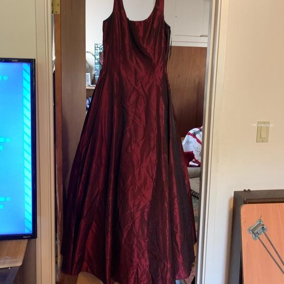 Scott McClintock Dresses & Skirts - Gorgeous evening Gown